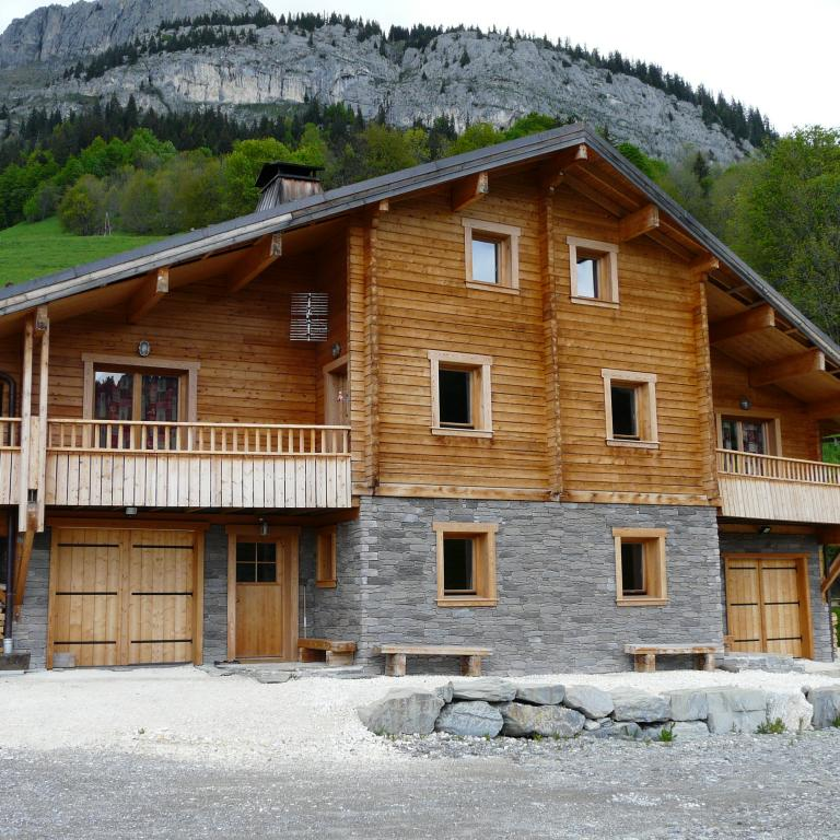 Log_House_France_Chalet_Cascade_1.jpg